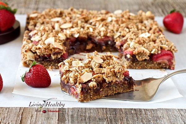 Paleo-Chocolate-Strawberry-Crumble-Bars1