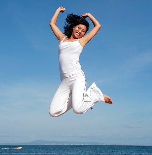 Woman_Jumping_298116